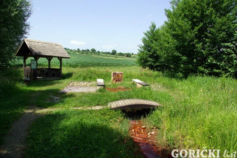 Izvir naravne mineralne vode v Nuskovi