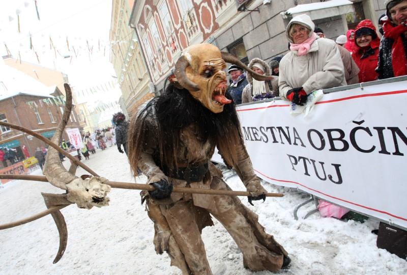 Slovenija, Ptuj, 11.2.2012 - etno karneval foto:Tadej Regent/Delo