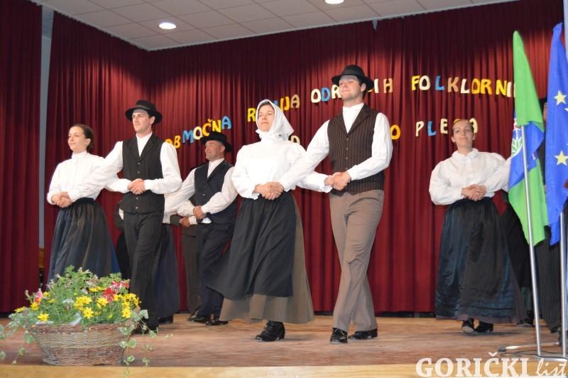 Folklorne-skupine-11.JPG